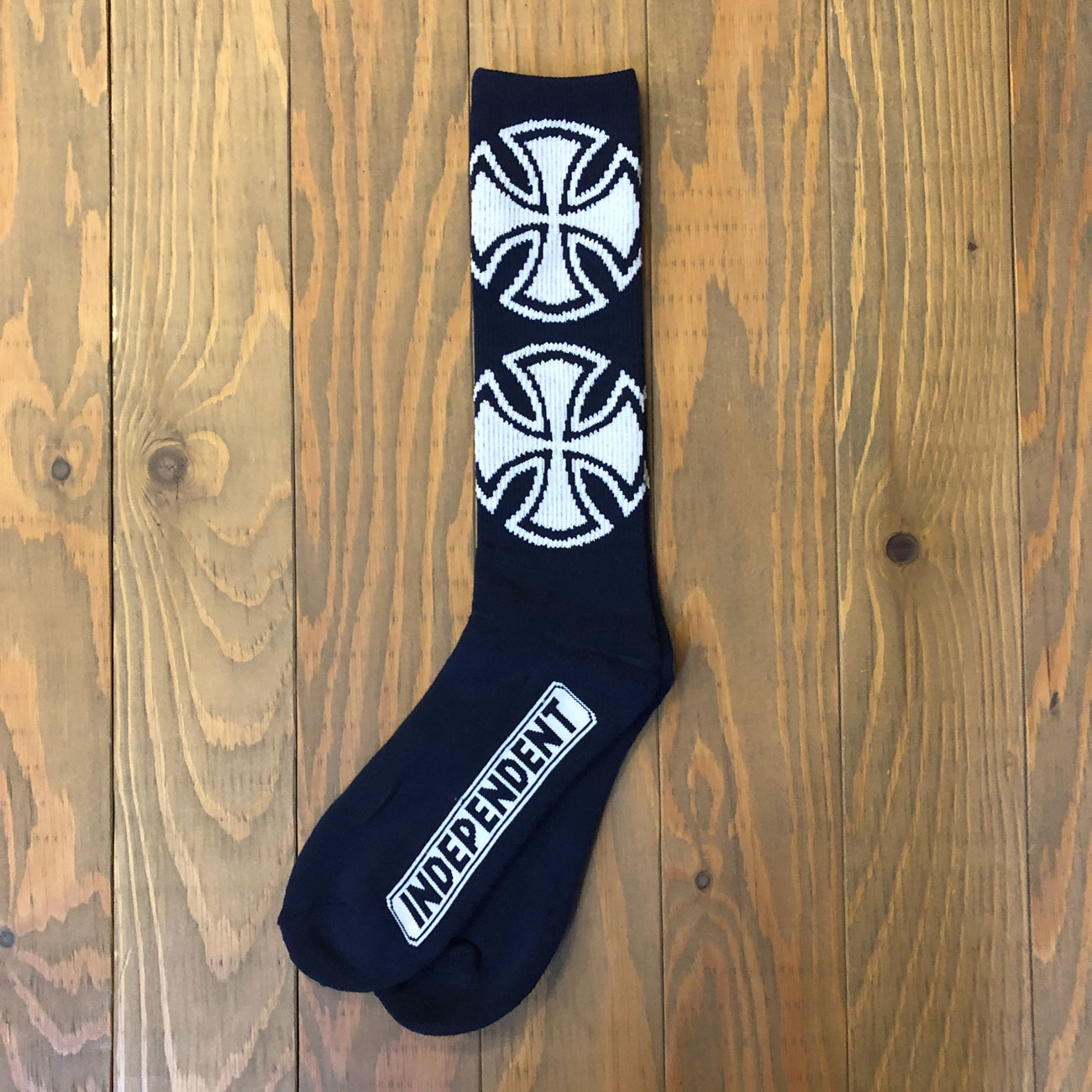 INDEPENDENT CROSSES SOX NAVY