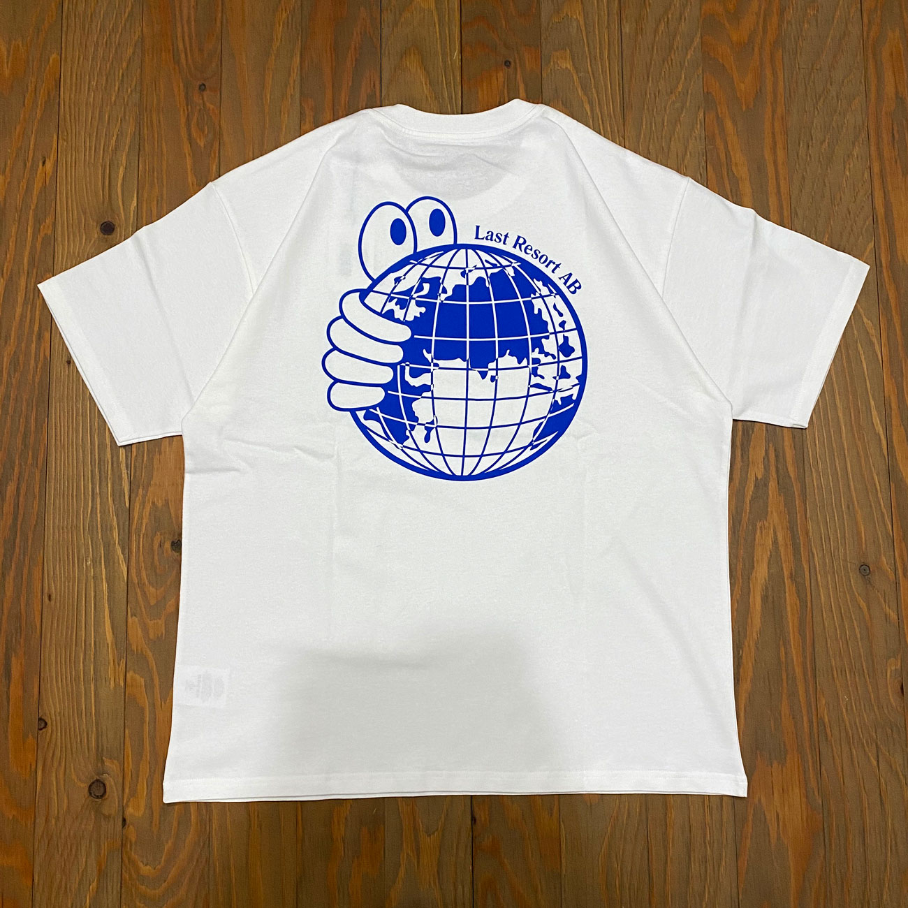 LAST RESORT WORLD TEE WHITE
