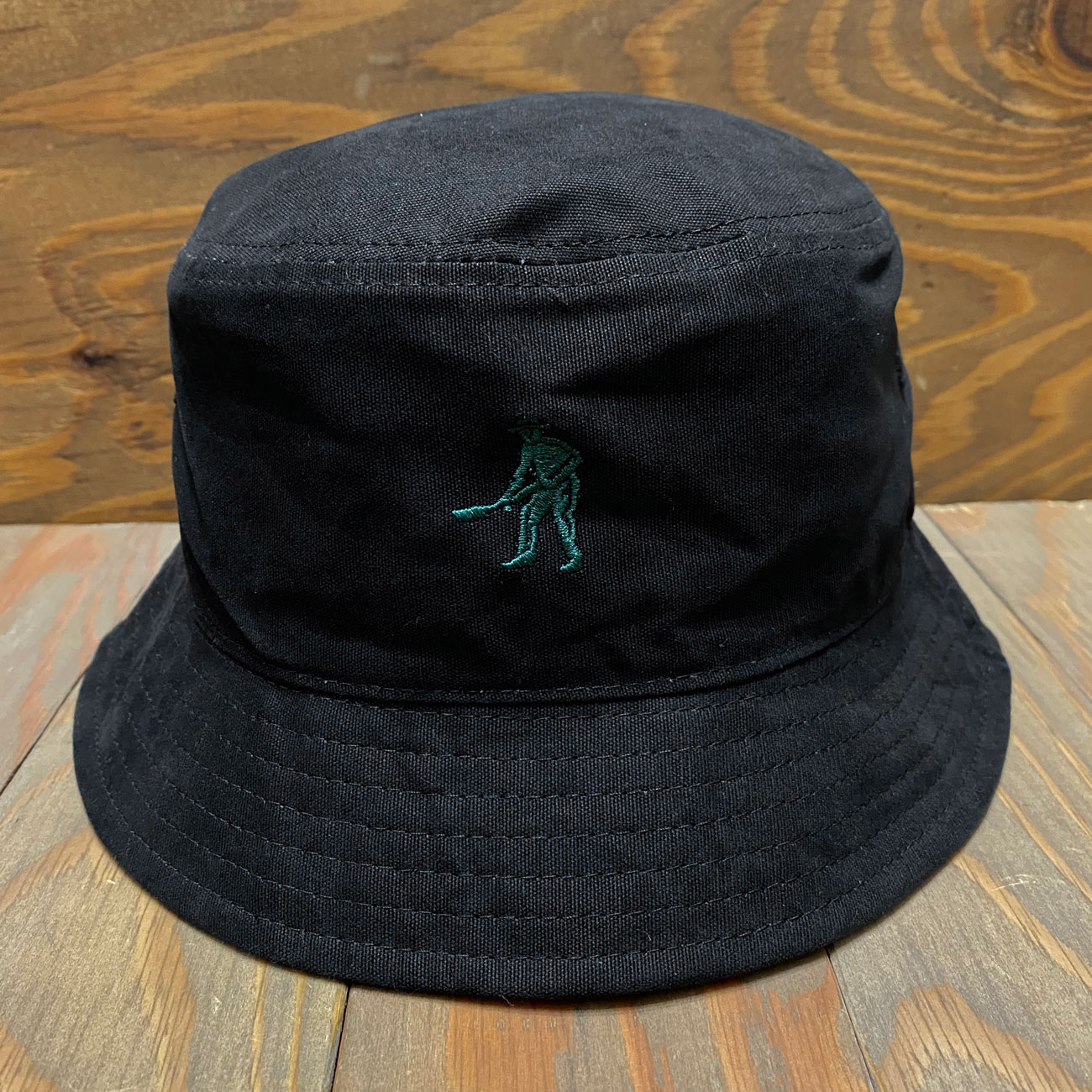 PASS~PORT INTERSOLLID REVERSABLE BUCKET HAT GREEN