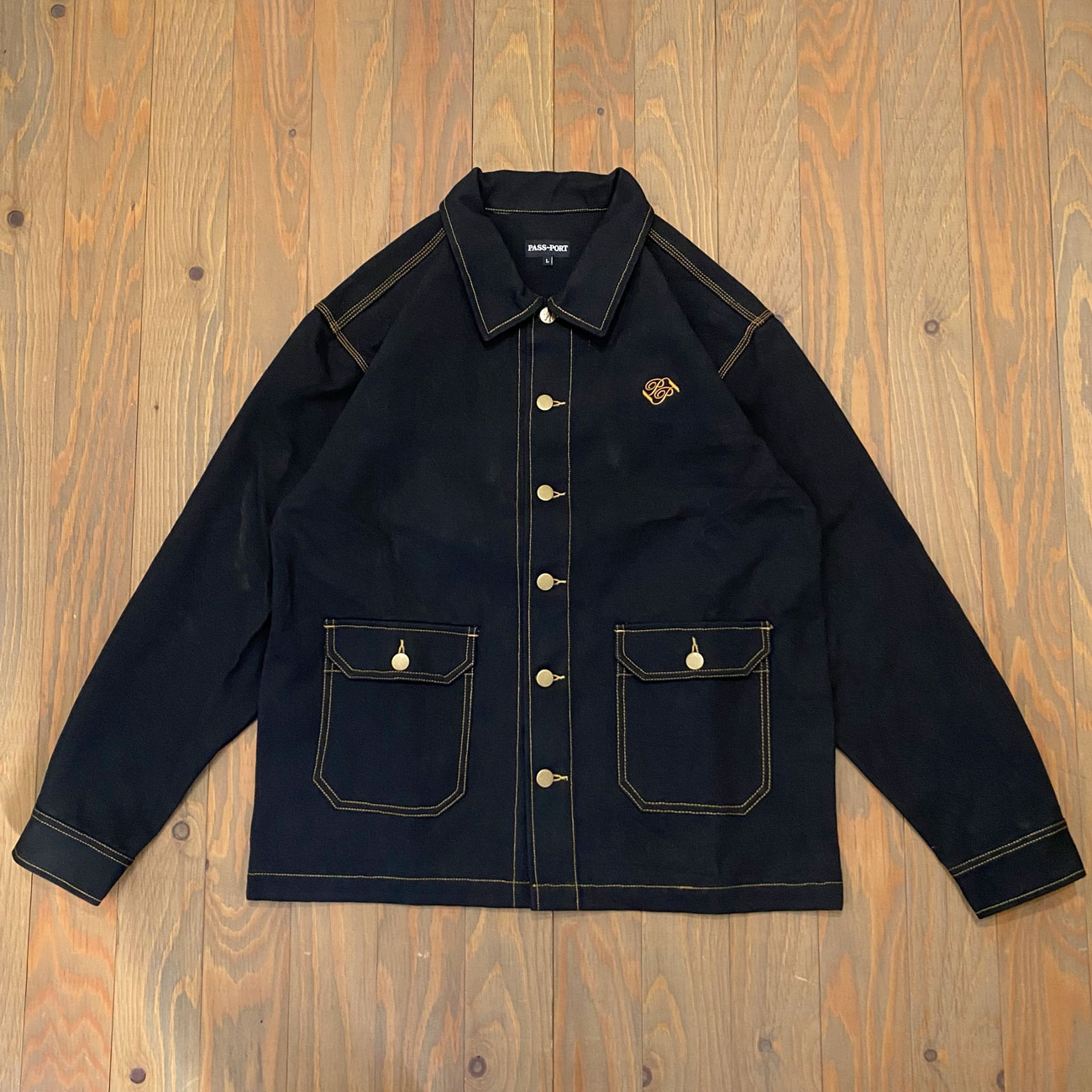 PASS~PORT MASTERS JACKET BLACK/GOLD